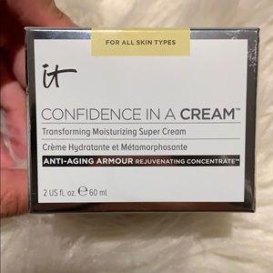 🆕 It Cosmetics Confidence in a Cream